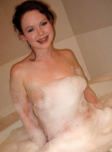 Cute Lana Relaxes In A Bubble Bath - Picture 1