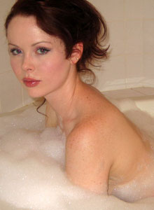 Cute Lana Relaxes In A Bubble Bath - Picture 4