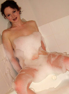 Cute Lana Relaxes In A Bubble Bath - Picture 5